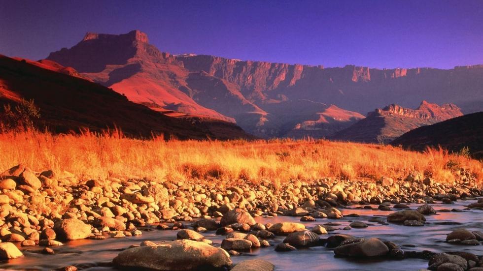 کوه های دراکنسبورگ در آفریقای جنوبی
