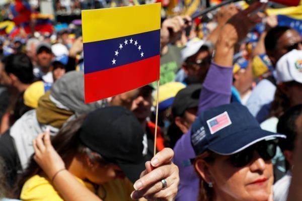 روسیه: به ونزوئلا یاری کنید؛ اما در امور داخلی آن مداخله نکنید